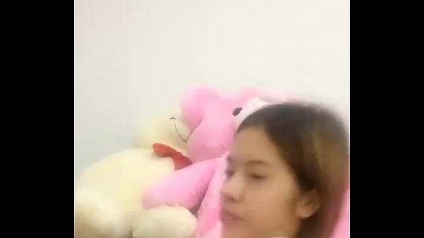 สาวสวยนักศึกษาอย่างน่ารักมาส่งเข้านอน มาเต้นอวดหุ่นสวย ตัวเล็กนมใหญ่ เสียงไทย ห้ามพลาด เห็นโหนกแคมหี ชัดๆ