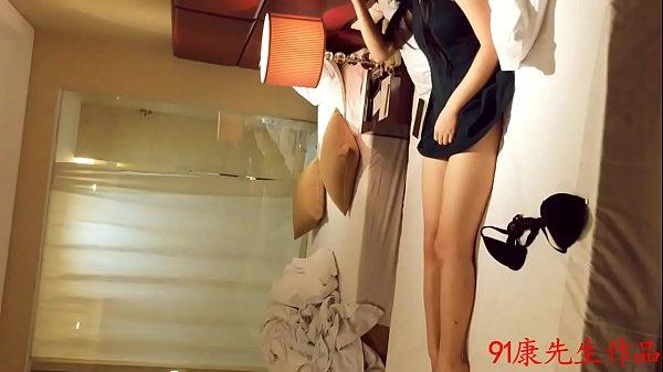 ผัวผู้หญิงแอบซ่อนกล้องและซ่อนตัวอยู่หลังม่านxxx เพื่อแอบดูแฟนสาวตัวเองกับเพื่อนเย็ดกัน เด็ดขนาดไหนมาดูครับ