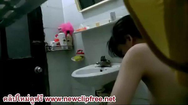 ตั้งกล้องแอบถ่าไว้ในห้องน้ำ แอบดูสาวอาบน้ำ ถอดชุดออกมา งานดีมาก ๆ นมใหญ่หัวนมชมพู หมอยอย่างดกxxx