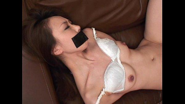 คลิปxxx สาวญี่ปุ่น ผัวไม่อยู่บ้าน โดนโจรบุกข่มขืน เอามีดจี้ จับเอาเทปปิดปาก มัดมือเย็ด ดิ้นไม่หลุด 18+