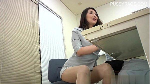 Porn japanสาวออฟฟิตโดนเพื่อนร่วมงานลวนลาม ลากมาเย็ดหลังเลิกงาน สาวอวบนมใหญ่หีอวบหมอยดก